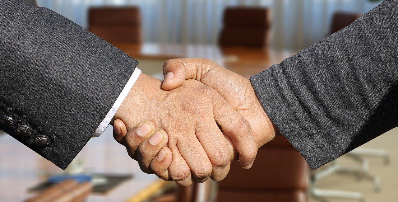 apreton de manos abogados concursales